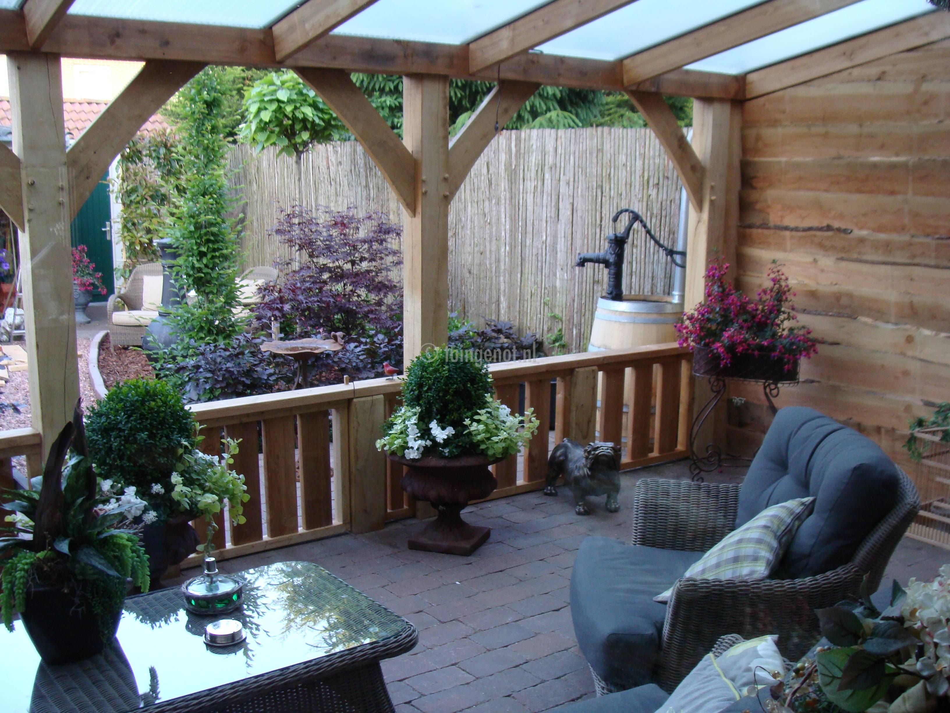 Tuingenot 49 eiken veranda met robuuste hek enkhuizen - Veranda decoratie ...